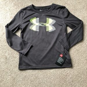 Boys size 6 under armour long sleeve shirt NWT